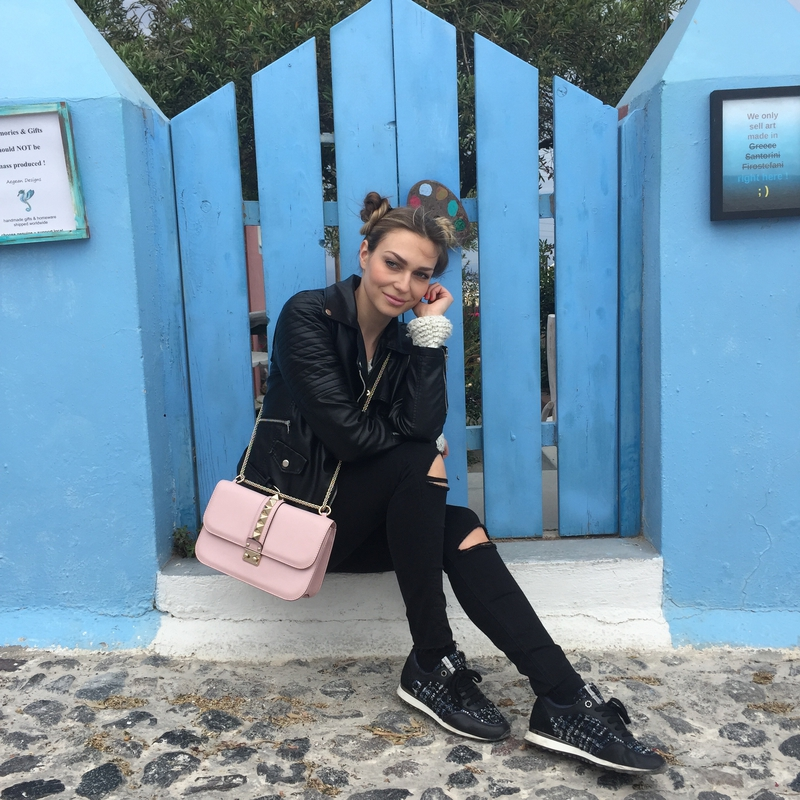haljine, haljine, traperice, torbe, prljavo roza, dusty pink, dirty pink, rose color, santorini, platforms, oxford platforms, oxford platform shoes, dress, long dress, dresses, jeans, sneakers, tosca blu, ysl, valentino bag, bag, croire bag, necklace, ripped jeans