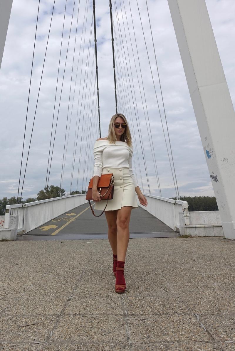 X whiteX shirtX sweaterX platformsX platform sandalsX socksX diorX dior sunglassesX chloeX chloe bagX chloe faye