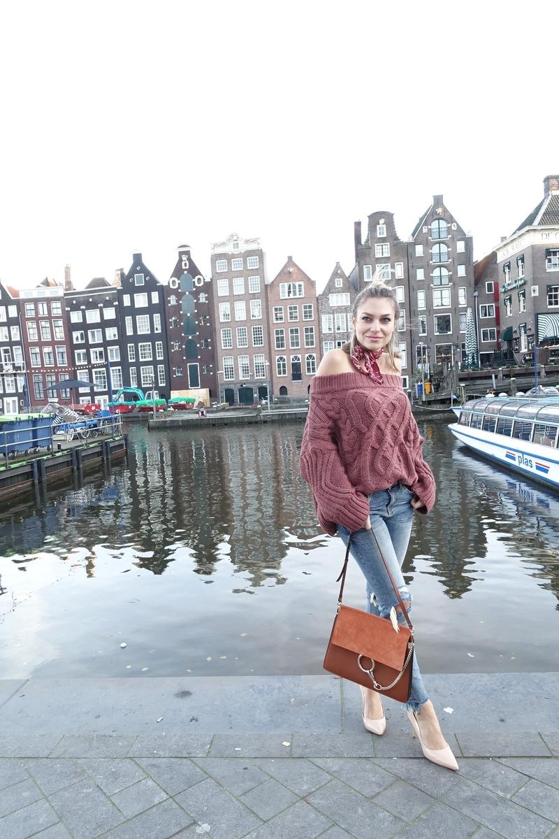 X off the shoulder sweaterX sweaterX schutzX pumpsX heelsX nude colorsX nude shoesX rip skinny jeansX skinny jeansX scarfX chloeX chloe bagX chloe girlsX faye bagX chloe faye bag