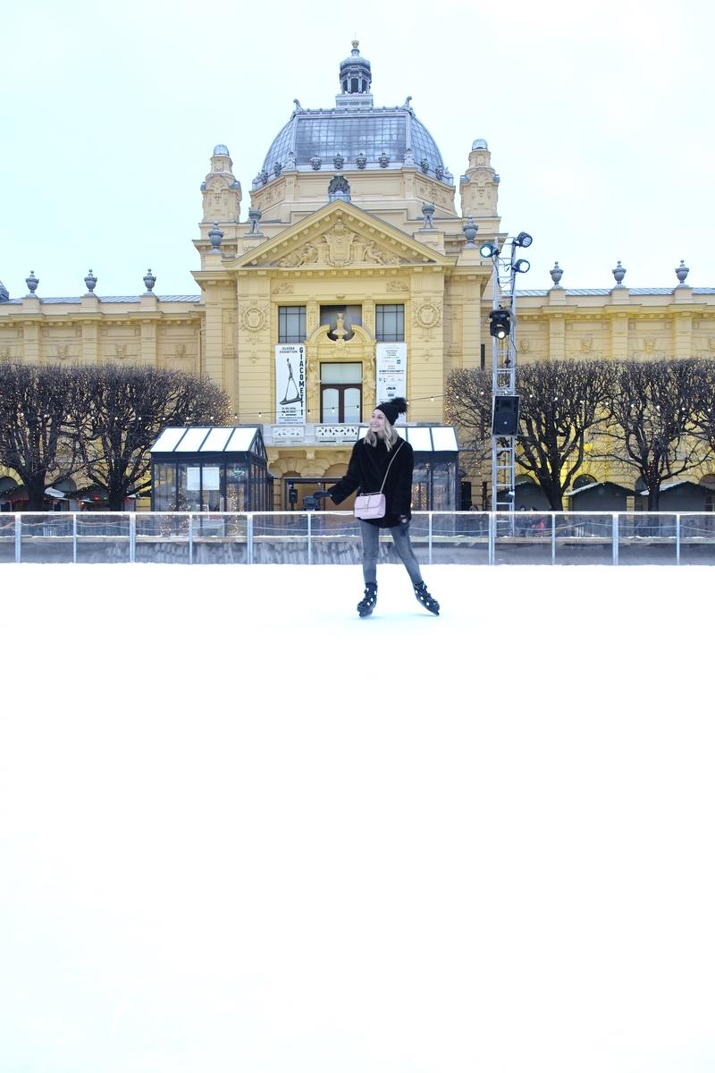 X ice skatingX fur coatX vintageX skinny jeansX bagX valentinoX valentino bagX hatX zagrebX leaden parkX sonja kovac
