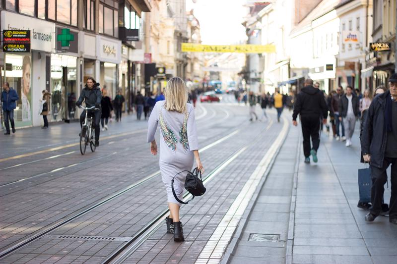X dressX bomber jacketX boimarX sonja kovacX bagX liebeskind berlinX sunglassesX hmX givenchyX givenchy boots