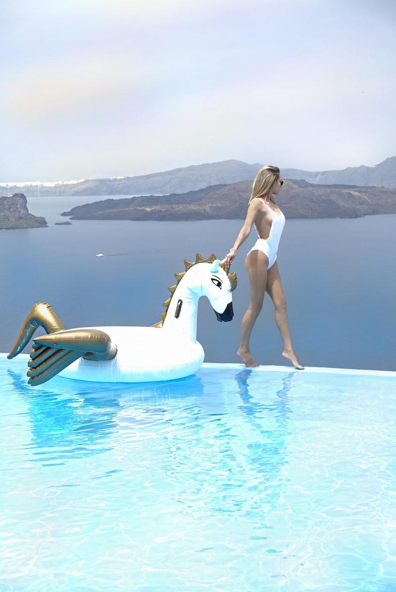 X agjamalX endi centarX floatX fun boyX luxury swimsuitsX ray banX ray ban sunglassesX santoriniX swimsuits