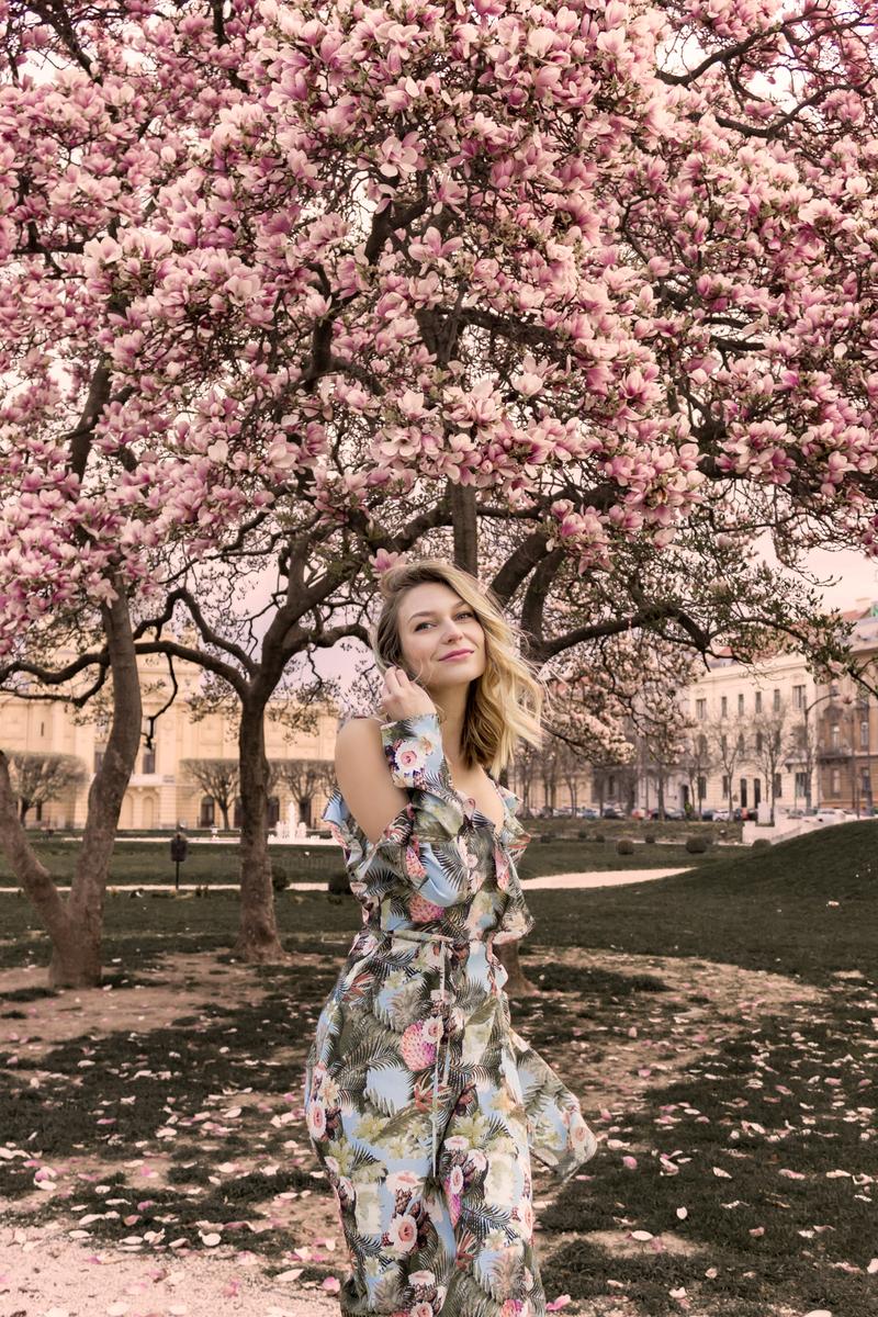 X magnoliaX magnolia treeX drove magnolijeX hmX h&mX dressX hm dressX floral printX floral print dressX shoesX sandalsX bcbg