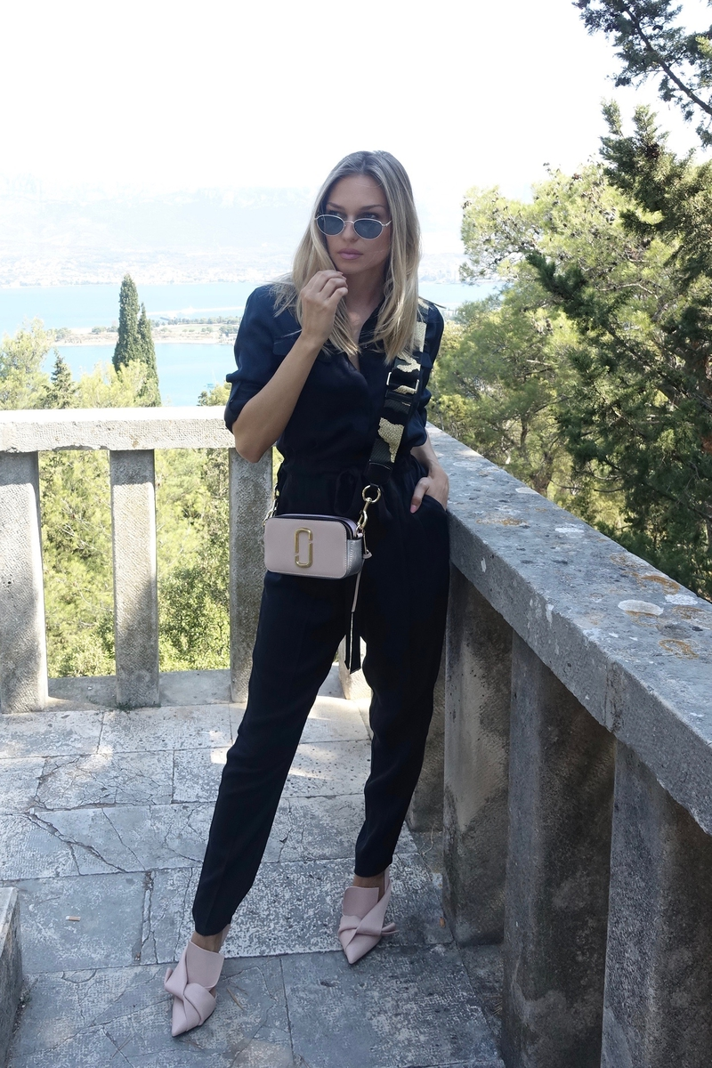 X twinsetX marc jacobsX bagX jumpsuitX splitX croatiaX karla storesX karlaX gigi hadid for vogue sunglassesX sunglassesX No21X shoesX outfit