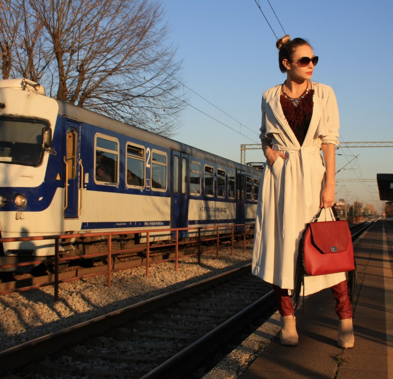 autumn trends, kimono style trench coat, trench coat, fashion, trend, styling, chanel, sunglasses