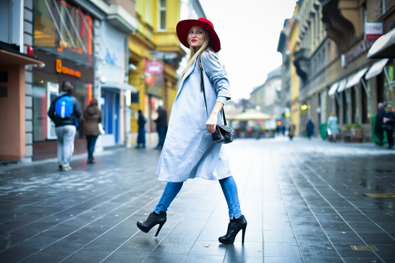 shirt, coat, gray coat, jeans, lui jo, boots, zara, hat, red,bag