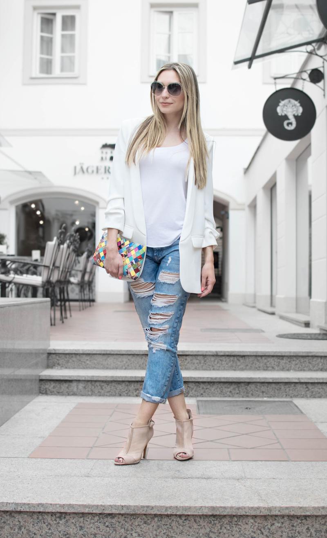bag, blazer, boyfriend jeans, chloe sunglasses, elegant look, jeans, sunglasses, white blazer