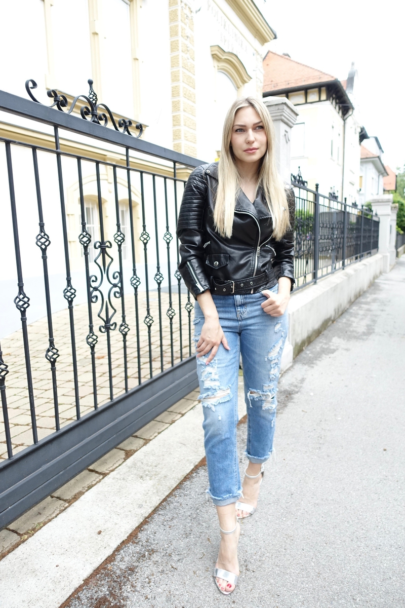 mom jeans, jeans, high heels, jacket, leather jacket, šaptač cipelama, pullandbear, zara, crop top, sonja kovac