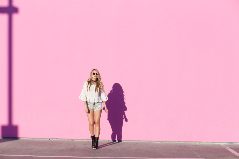 Paul Smith Pink Wall California Girl Xoxo Sonja