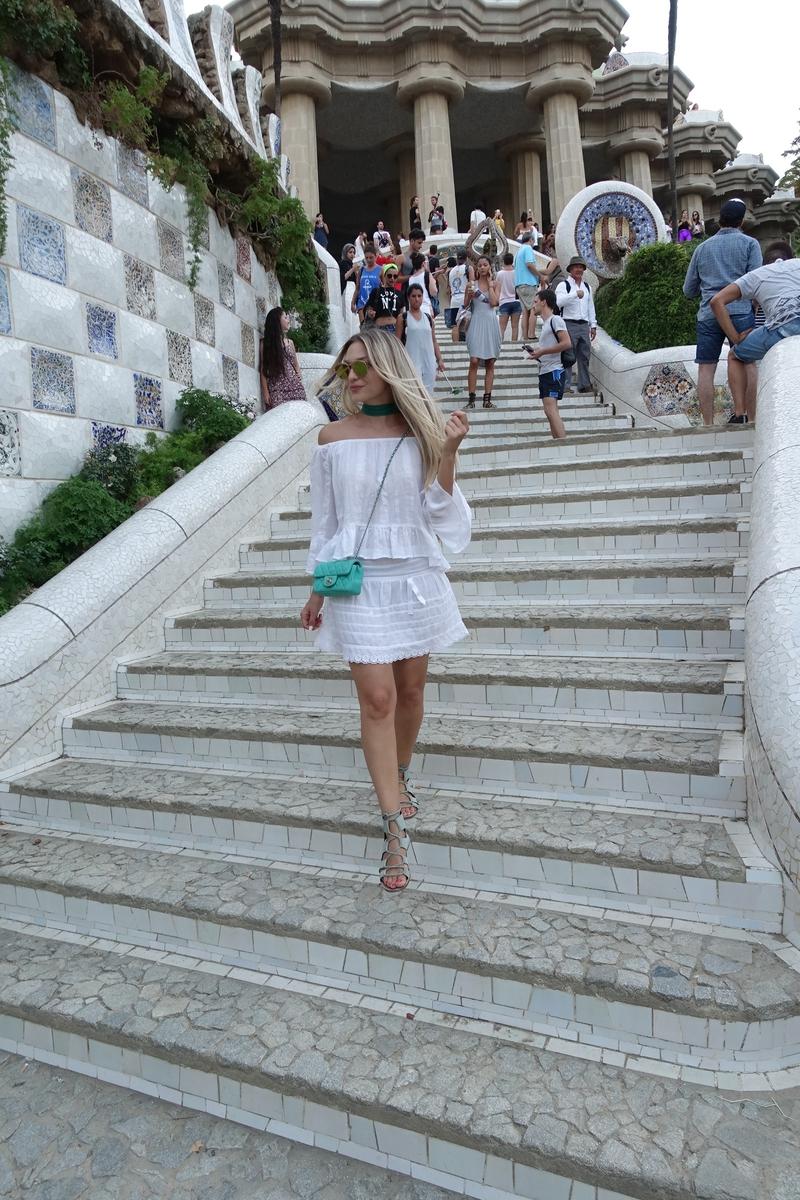 sonja kovac, fashion blogger, blogger, fashion blog, parque guell, all white, chanel bag, choker, gladiators, zara, sunglasses, dior