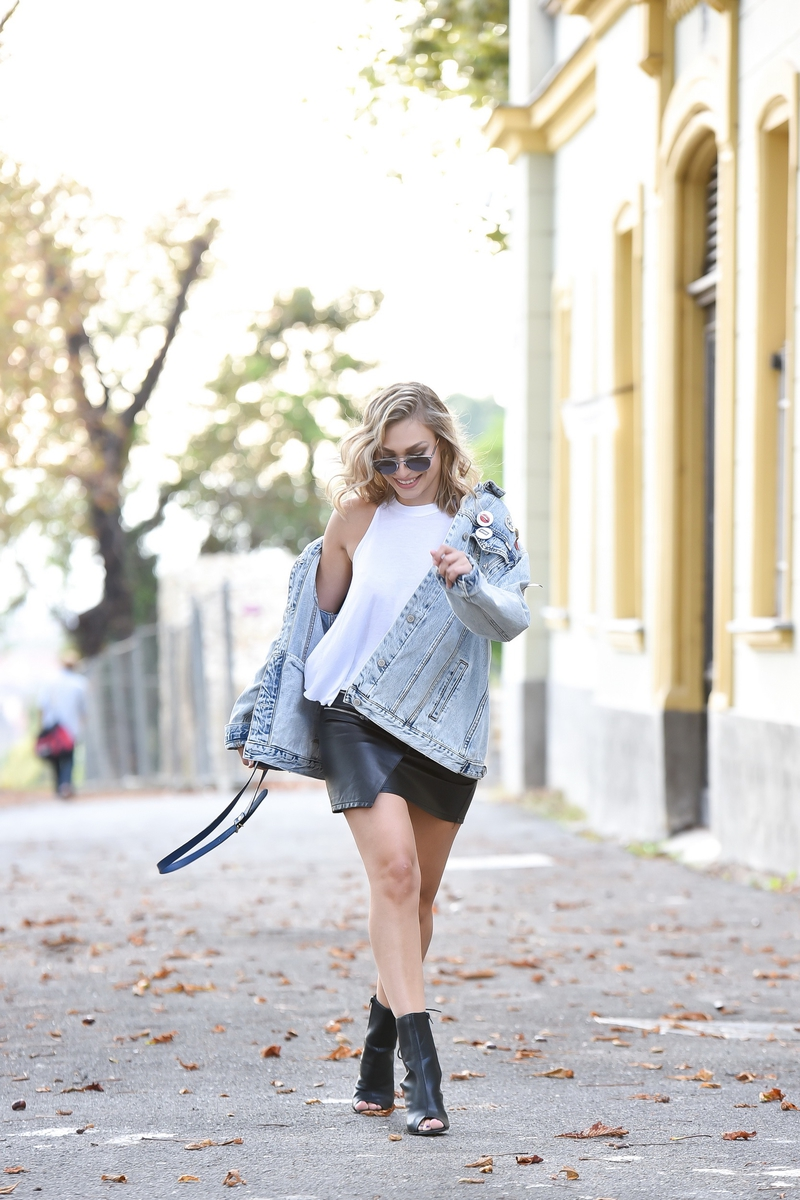 X oversized denim jacketX patchesX bootsX proenza bagX proenza schoulerX zaraX skirtX diorX sunglassesX dior sunglasses