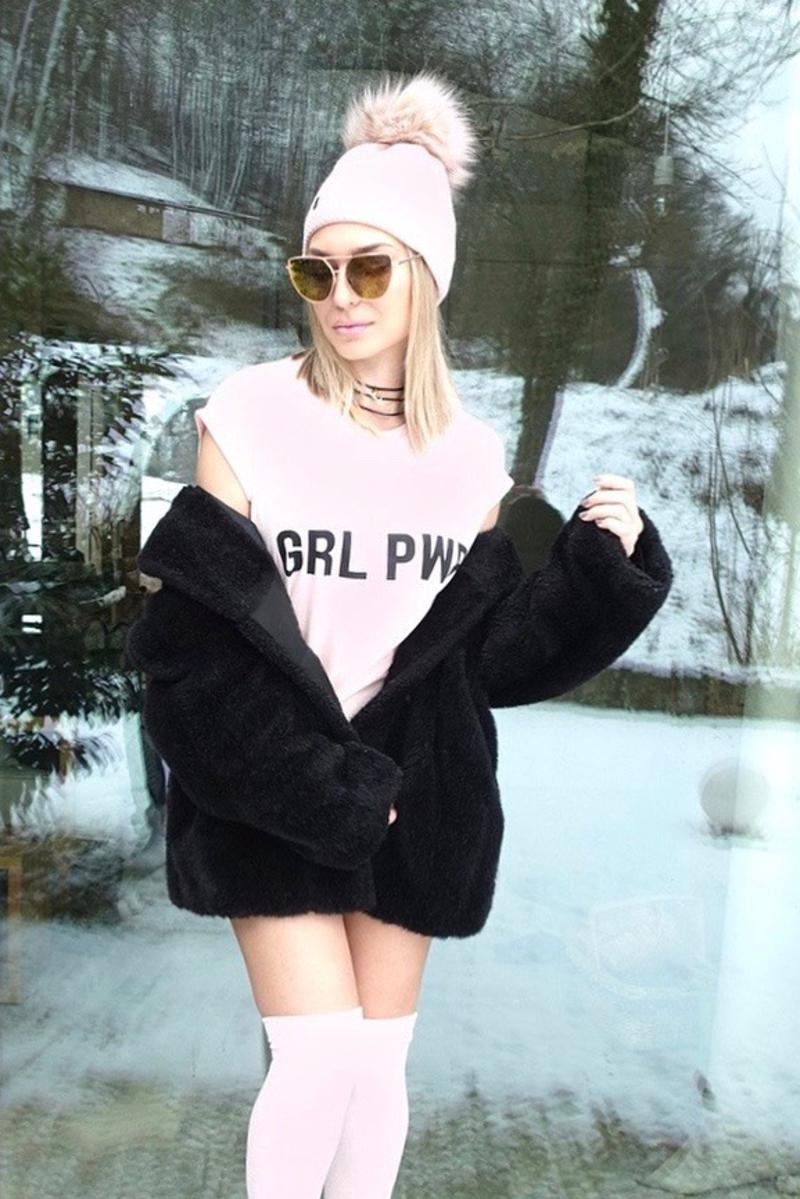 X t-shirtsX nakdX chokerX sunglassesX eyewearX sonja kovacX trendX sign t-shirtsX logo t-shirtX jeans